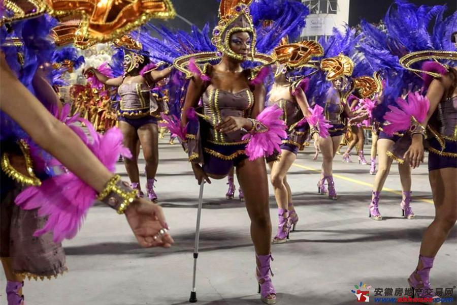 巴西狂欢节激情开幕 电臀美女造势世界杯 铜陵房产网