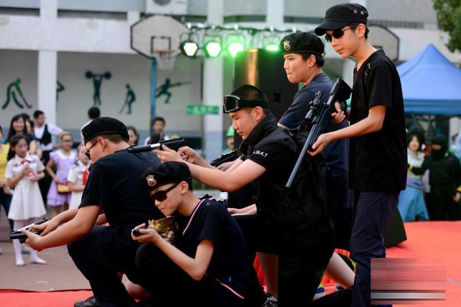 苏州小学生毕业晚会上演cosplay大戏