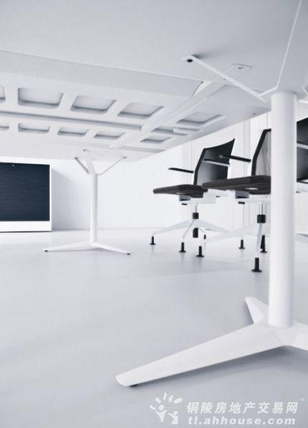 简洁干净高效 阿迪达斯工作室设计欣赏