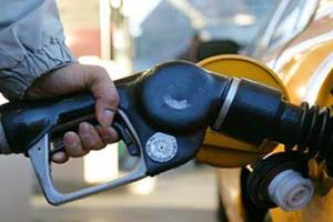 油价今起上调 私家车加满油多花10块