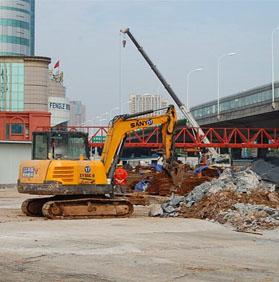 合肥大建设:地铁2号线潜山路站施工中